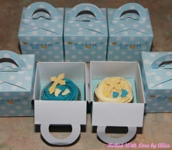 Cross-and-footprints-christening-cupcakes