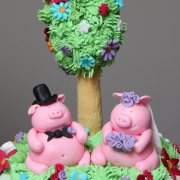 pigs wedding cake