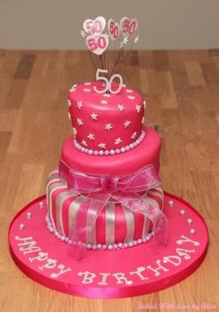 50th-birthday-topsy-turvy-cake
