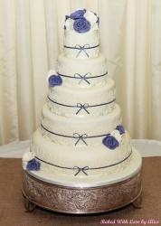 shireen-and-liam-wedding-cake