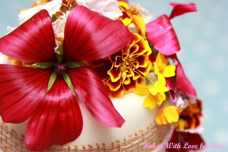 Edible Real Flowers For Cake Decorating : Wedding Cakes Somerset