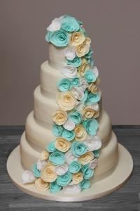 wedding cake turquoise ivory roses